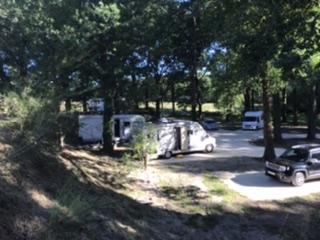Aire camping-car à Bosset (24130) - Photo 2